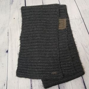 Fossil scarf